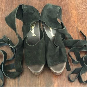 Free People NEVER BEEN WORN strappy heels